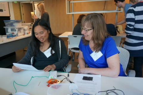 Pang with fellow RET program participant, Laura Moore in a 2017 RET workshop. Pang and Moore presented curriculum units they designed at the CNT to attendees of the 2018 Northwest Council for Computer Education (NCCE) conference.