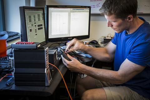 Caldwell in GRID Lab at the University of Washington, which is overseen by CNT member, Dr. Jeffrey Ojemann, and CNT Co-Director, Rajesh Rao. GRID Lab investigates basic neuroscience questions and develops tools for clinical and rehabilitative applications.
