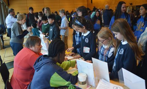 800 K-12 students from the Greater Seattle Area, along with their parents and teachers, participated in the 2019 Brain Awareness Week Open House. The event was held on the University of Washington Seattle campus, in the Husky Union Building.